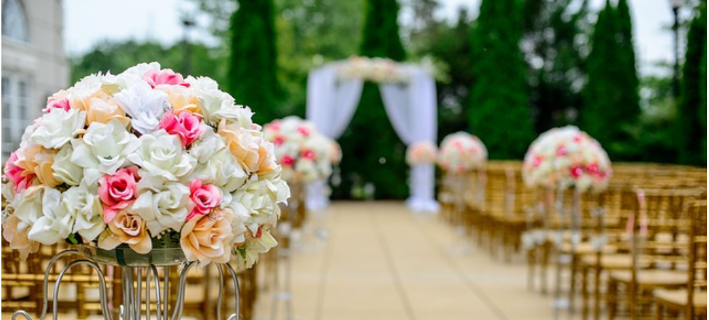Wedding Flowers – Can You Go Real Without Going Broke