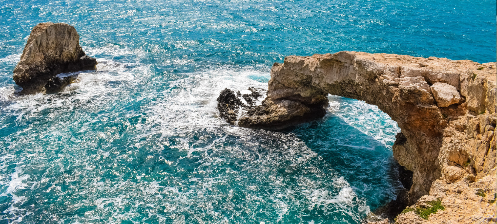 Get to Cyprus for a Romantic Holiday and an Idyllic Lifestyle
