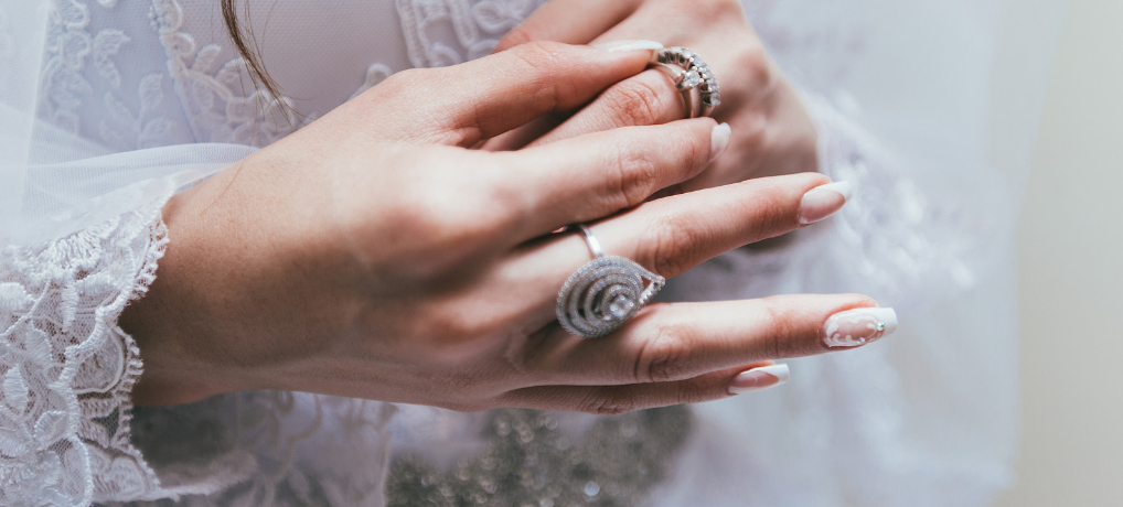 How to Pick the Perfect Bridal Jewelry