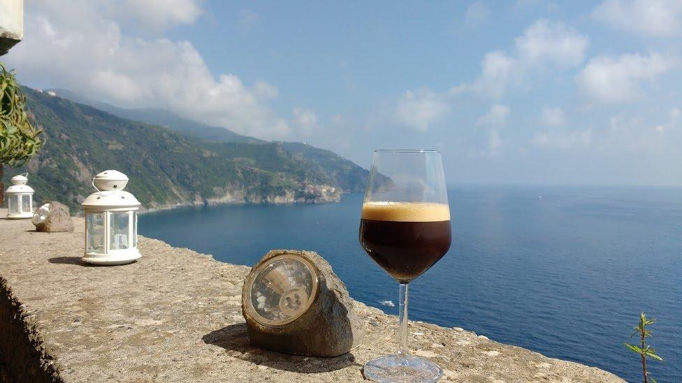 Romantic Italy Vacation - Corniglia - 5 Terre