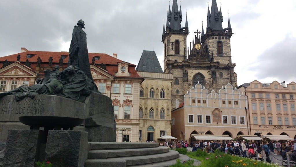 Jan Hus Memorial, Old Town Square - Prague Romantic City