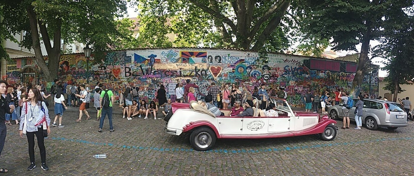 Romantic Prague - John Lennon Wall